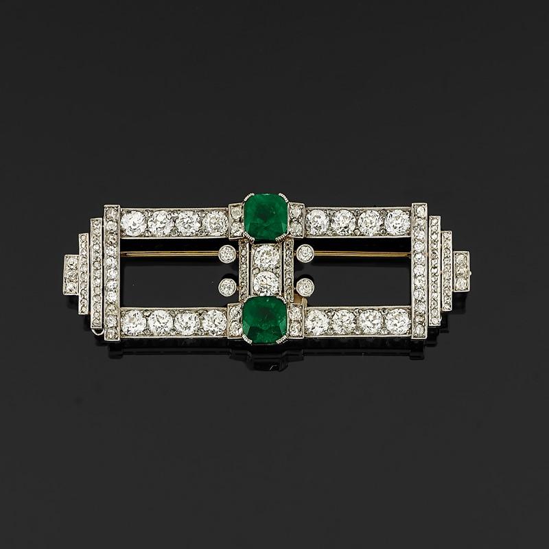 Lotto 701: Spilla Con Diamanti E Smeraldi, 1940 Circa / Base D'asta € 7.000