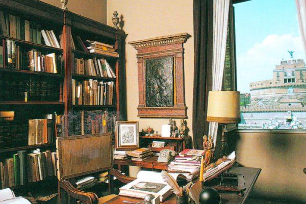 Studio del Professore Martinelli a Via del Banco di Santo Spirito, Roma