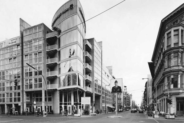 Lotto 16 (dettaglio) - Gabriele Basilico, Berlino, 2000 |Opera in asta a Milano il prossimo 17 marzo 2020