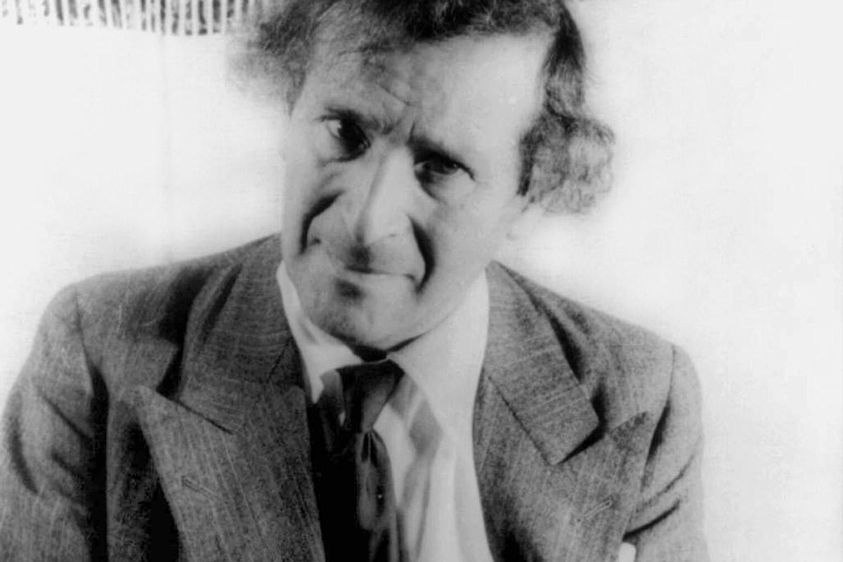 "Marc Chagall, <em>Ritratto</em> (<a href=""https://de.wikipedia.org/wiki/Datei:Marc_Chagall_1941.jpg"" target=""_blank"">via Wikipedia</a>)"