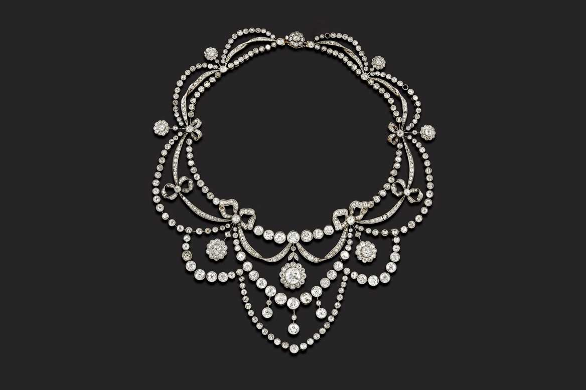 Importante collana in platino e diamanti taglio vecchio ct 40,00